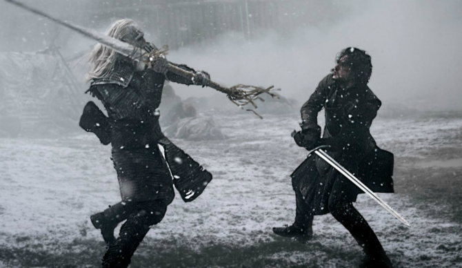 Game-of-Thrones-Jon-Snow-Kit-Harington-fights-and-wins-against-a-White-Walker-at-Hardhome-670x388